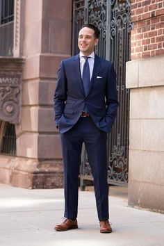 A royal blue suit is the perfect spring and summer alternative to a classic navy suit. Dress seasonally with the royal blue suit trend.