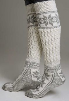 Ahh they look so warm! Perfect for those January winter mornings..  http://www.pinterest.com/JessicaMpins/