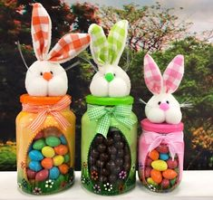 Tinker Easter bunnies made easy - 25 cute Easter bunnies Osterhasen basteln leicht gemacht – 25 süße Osterhasen Bastelideen Easter bunny craft ideas – candy jar - Mason Jar Crafts, Bottle Crafts, Mason Jars, Easter Candy, Easter Eggs, Easter Gift, Spring Crafts, Holiday Crafts, Easter Crafts For Adults