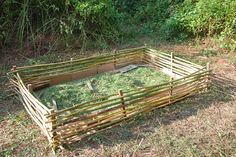 The Hippie Homestead: Building a Raised Bed with Bamboo - Modern Raised Garden Bed Plans, Raised Bed Garden Design, Building Raised Garden Beds, Diy Garden Bed, Raised Beds, Bamboo Trellis, Bamboo Planter, Planter Garden, Planters