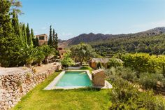 REF 37798  #andratx #mallorca #luxury #realestate #immobilien #landhaus  http://www.balearinvestluxury.com/index.php/en/property/casa-rustica-en-solar-de-13-500-m2-aprox-/ref/37798  221m2 built, large living room with fireplace, dining room, fully equipped kitchen, 4 double bedrooms divided into mainhouse and 2 annex apartments, 5 bathrooms (2 en suite), 3 fireplaces, swimming pool, terrace, garden, laundry, bathroom with tub next to swimming pool, shed. Views to the mountains.