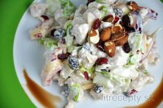 Try out this refreshing fruit salad with chicken, that fills you up and satisfies your taste buds. Inside it you will find perfectly balanced flavors, vitamins, minerals, fiber . Savory Pancakes, Plain Greek Yogurt, Delicious Fruit, Mets, Chicken Salad, Potato Salad, Stuffed Peppers, Healthy Recipes, Dinner