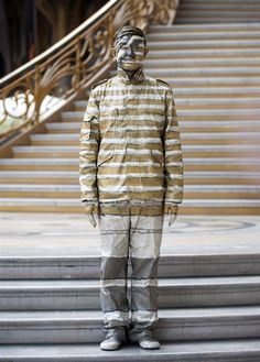 The invisible man - Chinese artist painted into oblivion
