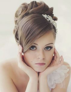 so classy yet sweet, this updo hairstyle is amazing. via Websalon