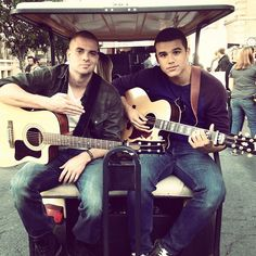Mark Salling and Jacob Artist backstage on the set of Glee. My favorite with my favorite of the newbies. Glee Puck, Noah Puckerman, Mark Salling, Bae, Glee Club, Cory Monteith, Celebs, Celebrities, Favorite Tv Shows