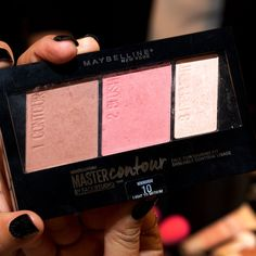 One of 9 new Maybelline launches for 2016...Master Contour Face Contouring Kit