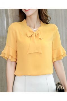 Womens Summer Trendy Bow-Tied Collar Ruffled Sleeve Plain Chiffon Blouse Top Sleeves Designs For Dresses, Dress Neck Designs, Blouse Designs, Cute Blouses, Blouses For Women, Look Office, Blouse And Skirt, Mode Hijab, Fall Fashion Outfits