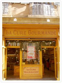 La Cure Gourmande- such an awesome cookie sweets shop. There is a beautiful cf510d7796e8