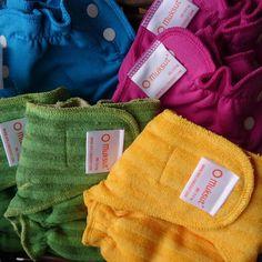 Disse her altså! Så fine farger! Formsydde bleier + ullsperrelag med sideknepping fra Myllymuksut er nå på plass i butikk 💙 Laget i Finland! #tøybleier #myllymuksut #bleieskift #bleier #nyfødt #babyutstyr #gravid #ull #miljøvennlig #mindresøppel #toybleier #babylykke #babydrøm #grønnhverdag #alternativtilengangs Cloth Diapers, Instagram Posts, Prints, Baby, Clothes, Outfits, Clothing, Kleding, Baby Humor