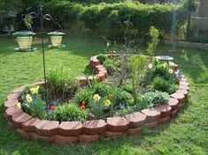 In fact, there are many inspirational ideas about small flower gardens that you can learn. To produce the best choice for Small Flower Garden. Stone Flower Beds, Raised Flower Beds, Raised Garden Beds, Small Flower Gardens, Small City Garden, Small Flowers, Small Round Garden Ideas, Planting Plan, Garden Stones