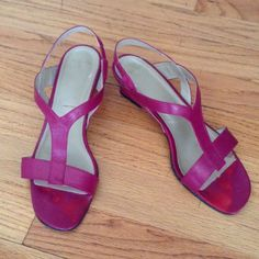 Pre-Loved Magenta Leather Mini-Heeled Sandals