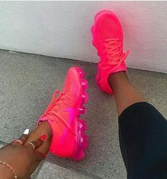 43 Top Fashion Shoes That Will Make You Look Cool Shoes Sexy Casual High Heels Cute Sneakers, Shoes Sneakers, Mcqueen Sneakers, Shoes Sandals, Crazy Shoes, Me Too Shoes, Nike Roses, Sneakers Fashion, Fashion Shoes