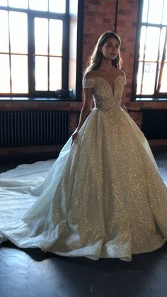 Best Wedding Dresses Lace Dresses Ethnic Wear For Marriage Small Wedding Venues Short Ivory Lace Dress 2 Years Baby Dress Online Wedding Train Pakistani Wedding Wear Princess Wedding Dresses, Best Wedding Dresses, Boho Wedding Dress, Wedding Dress Fabric, Bride Dresses, Dramatic Wedding Dresses, Prettiest Wedding Dress, Fairytale Wedding Dresses, Beautiful Wedding Dress