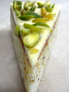 Pistachio cake with neoclassic buttercream.