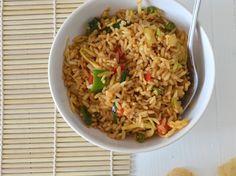 Het is weer woensdag en ik heb weer een makkelijke maaltijd voor jullie, Indonesische nasi goreng met een gebakken ei is lekker en simpel.