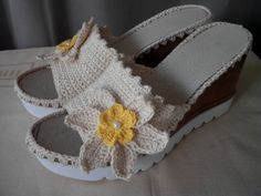 Trendy knitted sandals for summer! Summer Knitting, Enjoy Summer, Espadrilles, Baby Shoes, Sandals, Chic, Pattern, Kids, Color