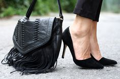 Blogger @aniklacasse of www.montrealinstyle.com via Twitter in #ALDO fringe purse and #Romelia heels