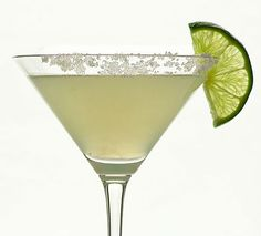 Classic Margarita Cocktail in Cocktail Glass with Salted Rim and Lime Slice Margarita Cocktail, Cocktail Glass, Cocktail Drinks, Cocktail Recipes, Cocktails, Healthy Eating Recipes, Tequila, Martini, Photos