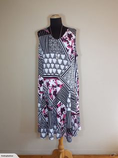 Notations | Black, White & Hot Pink Print Stretch Dress (18-20) | Trade Me Enlarge Photos, Close Up Photos, Stretch Dress, Stretches, Nice Dresses, Hot Pink, 18th, That Look, Black White