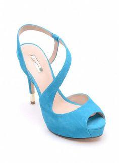 Sandali Guess estate 2015, femminili ed eleganti con stile sandali-azzurri-con-tacco-alto-guess