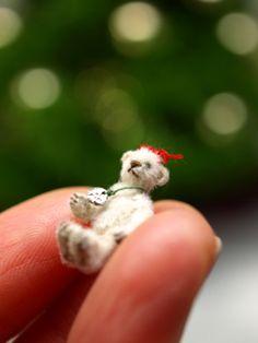 miniature bear Plush Animals, Cute Animals, Small Teddy Bears, Tiny Teddies, Love Bear, Bear Toy, Diy Doll, Miniature Dolls, Felting