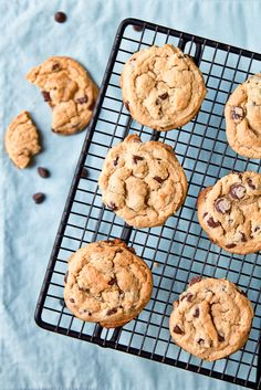 Chewy Peanut Butter Chocolate Chip Cookies -Added 1/2 cup toasted peanuts  -Used hershey semi-sweet chocolate chunks