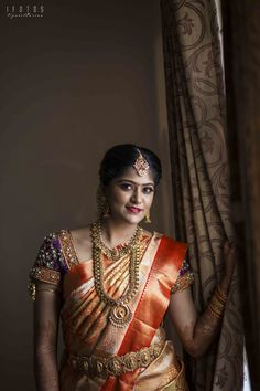 Our Top Wedding Stories Of 2017 That Cultivated The Most Engrossment - Part 2 Bridal Jewelry Sets, Bridal Jewellery, Aari Work Blouse, Bridal Makeover, Indian Silk Sarees, Bridal Blouse Designs, Bride Portrait, Indian Wedding Outfits, South Indian Bride