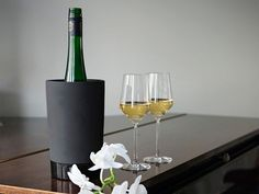 Ceramic Insulated Wine Coolers by Magisso