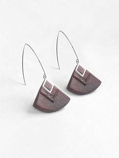 """""""Cléopâtre"""" couleur bordeaux - boucles d'oreilles pendantes - faits main - métal acier inoxydable anti-allergène"""