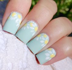 Mint green nails with flower Pastel Blue Nails, Mint Green Nails, Mint Nails, Daisy Nails, Flower Nails, Summery Nails, Spring Nail Art, Spring Nails, Cute Nail Art