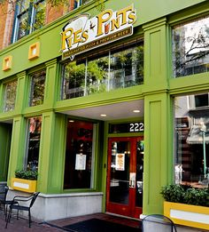 Yummy places to eat in Charleston Wv!  Pies & Pints on Capitol Street!  Grape pizza pie is my fav!