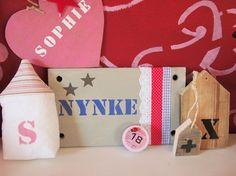 Idee: #naambord voor de #meisjeskamer