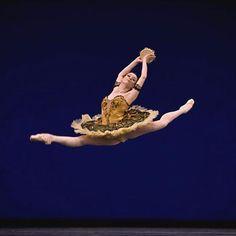 """Maria Kochetkova (Esmeralda) with San Francisco Ballet in """"La Esmeralda"""""""