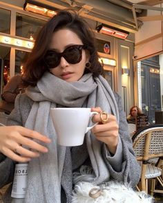 Image may contain: 2 people Grey Fashion, Korean Fashion, Boho Fashion, Autumn Fashion, Fashion Outfits, Womens Fashion, Style Fashion, Parisienne Style, Parisian Chic Style