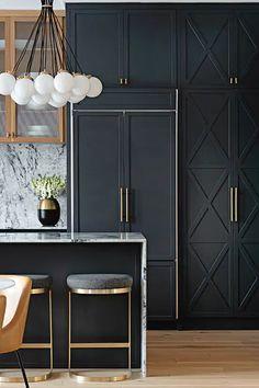 Kitchen Room Design, Modern Kitchen Design, Home Decor Kitchen, Interior Design Kitchen, Modern Kitchen Interiors, Black Kitchens, Home Kitchens, Home Luxury, Kitchen Cabinetry