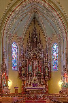 Anthony's by Scottski 39 ~ Old Church on Milwaukee's south side Wisconsin U. Sacred Architecture, Church Architecture, Beautiful Architecture, Beautiful Buildings, Catholic Altar, Roman Catholic, Old Churches, Catholic Churches, Monuments