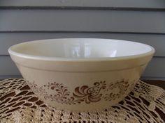 Vintage Pyrex #403 Homestead Brown 2 1/2 Quart Mixing Nesting Serving Bowl