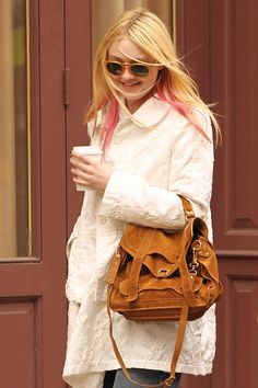 A lesson in style from Dakota Fanning and her Proenza Schouler PS1 bag. Photo:​ REX/Startraks