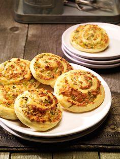 Ein pikantes Hefegebäck mit Erdnüssen und Käse