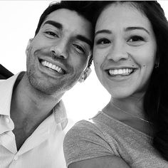 Gina rodriguez 'Baby daddy drama' The brunette beauty teased drama in this photo, in which she smiles alongside costar Justin Baldoni Baby Daddy Show, Baby Daddy Drama, Boss Baby, Gina Rodriguez, Jane The Virgin, The Brunette, Brunette Beauty, Jane And Rafael, Pretty People