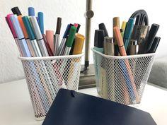 Meine Stifte und Notizbuch für Bullet Journal - Materialliste auf Mamaskind.de Layout, Lettering, Bullet Journal Notebook, Pens, Bullet Journal Ideas, Homemade, Page Layout, Drawing Letters, Brush Lettering