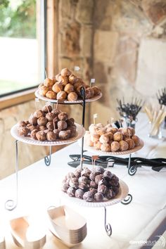 modern simple wedding dessert display ideas wedding desserts 20 Super Sweet Wedding Dessert Display and Table Ideas - Oh Best Day Ever Brunch Wedding, Wedding Catering, Diy Wedding, Wedding Ideas, Summer Wedding, Easy Wedding Food, Simple Wedding Reception, Autumn Wedding, Reception Ideas
