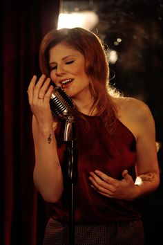 """Romance de Novela"" (feat. Lipe Torre) - Luiza Meiodavila  http://www.youtube.com/watch?v=Pksuhb7CfeI"