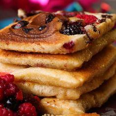 Diese Mini-Raclette-Pancakes sind so fluffig und süß, da willst du dich reinlegen