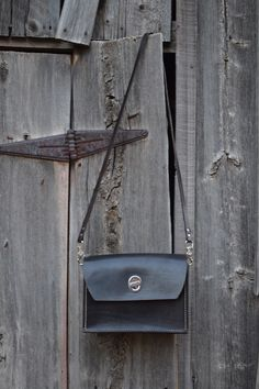 Meet the Mála - an everyday handbag, with a high end fashion look.  Check out Kilbride Craft Co for more information on this amazing product.   You need this!  etsy.com/shop/KilbrideCraftCo