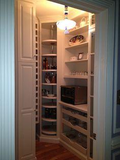 Kitchen pantry walk in lazy susan 46 Best ideas- - pantry redo Free Standing Kitchen Pantry, Kitchen Pantry Storage, Kitchen Wall Shelves, Corner Pantry, Pantry Shelving, Pantry Closet, Walk In Pantry, Rolling Pantry, Corner Closet