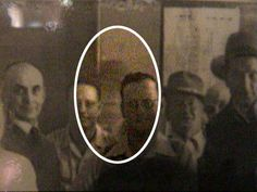 This photo was taken in 1949 at the Royal Hotel in... - photo - Project: Paranormal Real Ghost Pictures, Ghost Images, Creepy Pictures, Ghost Pics, Scary Stories, Ghost Stories, Scary Places, Haunted Places, Creepy Things