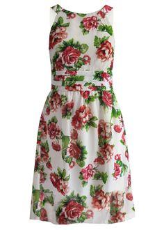 Veja agora:Com estampa floral de verão, decote redondo, frente com pregas trabalhadas no corpete e na cintura, costas com aplicação de lastex, saia evasé. Cada peça é única. Lavável à máquina.                                                                                                                                                                                 Mais