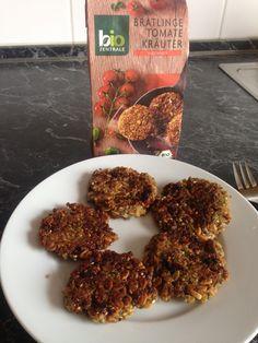 Foto: vom Tengelmann die Dinkelbratlinge mit Tomaten und Kräuter als Snack / © Der grüne Mami Blog