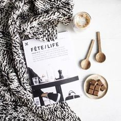 Snug starts to crisp mornings is what Winter is all about ✨ my fave mag @fetemagazine, coffee, Salted Caramel @loving_earth chocolate and this gorgeous throw from @collective_sol what's everyone up to for the weekend?! I'm off to make French Toast x